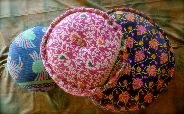 Pouffes and stools 2